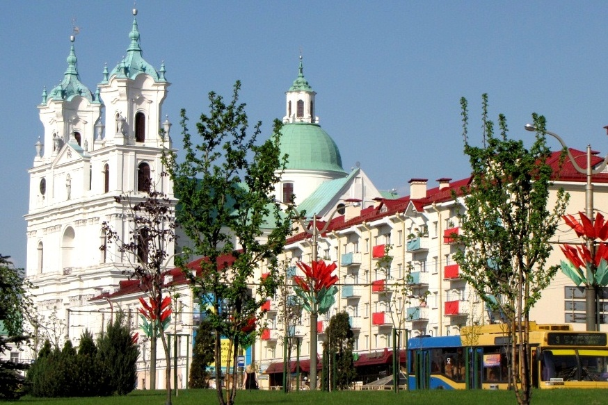 Советская площадь выглядит идеально. И никаких вам пластиковых скворечников на балконах.