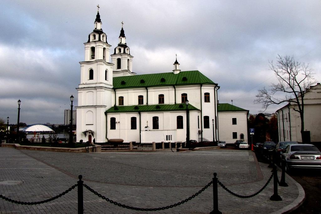 """Главный """"православный костел"""" Беларуси - собор Святого Духа (1633-1642). Конечно, когда-то он был костелом, а сейчас - кафедральный собор Русской православной церкви."""